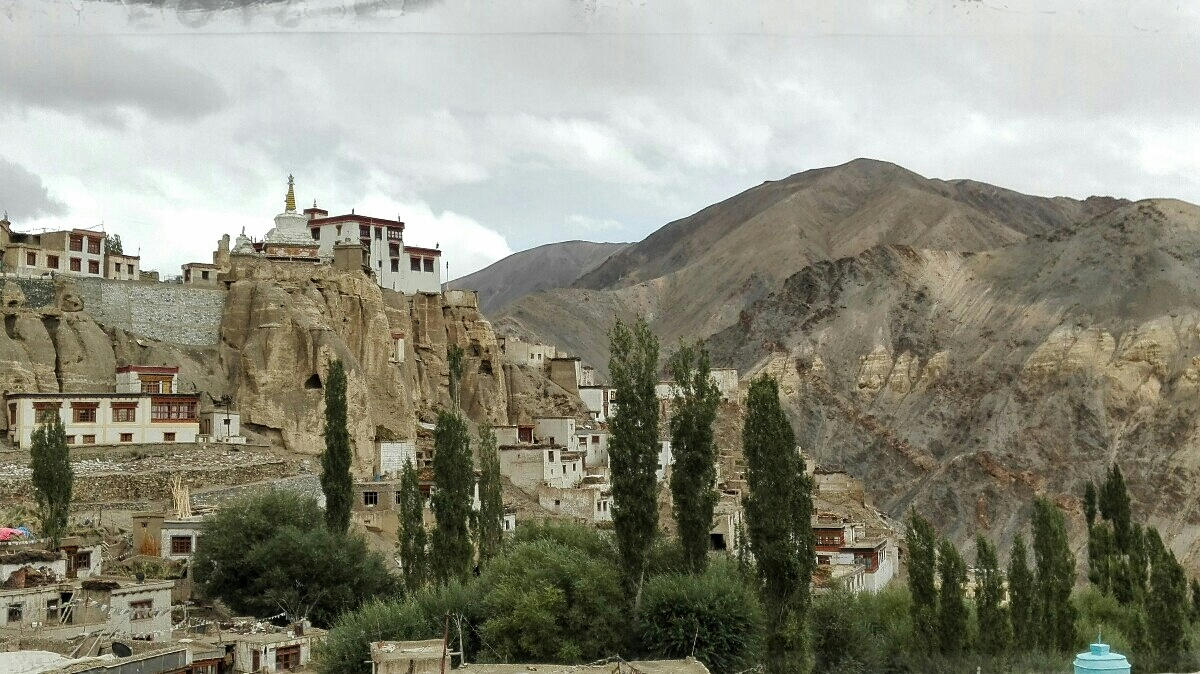 Videonauts backpacking Indien Ladakh Lamayuru monestary