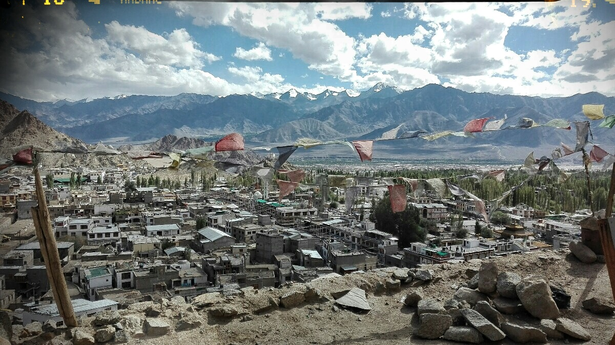 Videonauts backpacking Indien Leh Ladakh city