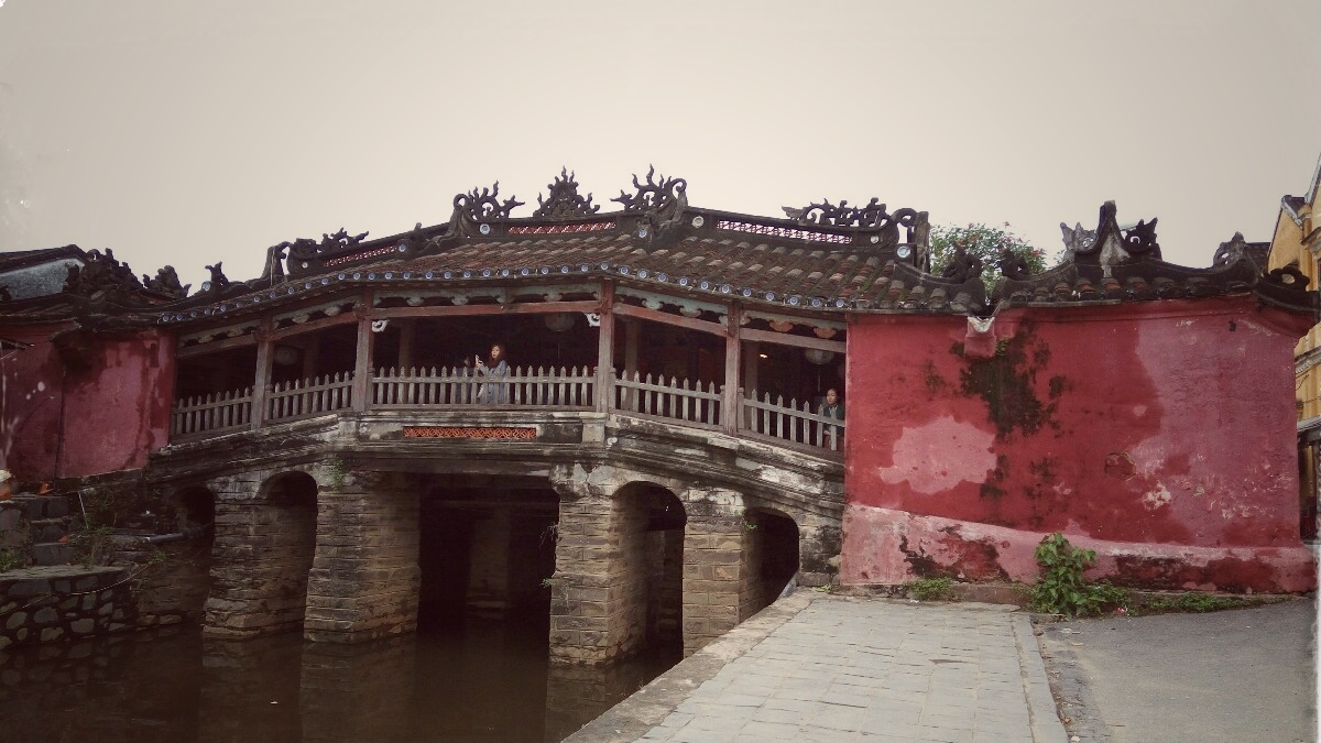 Videonauts backpacking Vietnam Hoian japan bridge