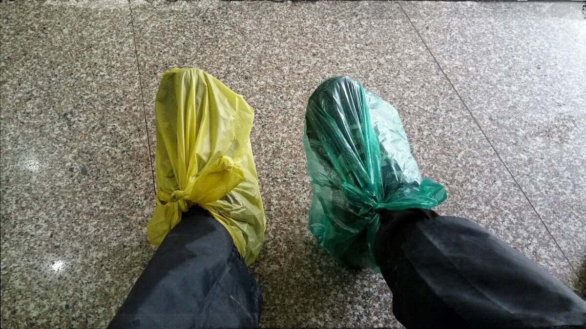 Videonauts backpacking Vietnam wet shoes