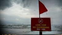 Videonauts backpacking Vietnam Nah Trang beach II