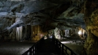 Videonauts backpacking Vietnam Paradise Cave
