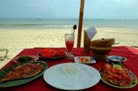 Videonauts Bali Jimbaran Strand Fisch backpacking