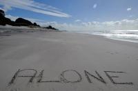 Videonauts Neuseeland alone on the beach backpacking